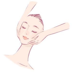 顔をヒーリングされて癒される女性