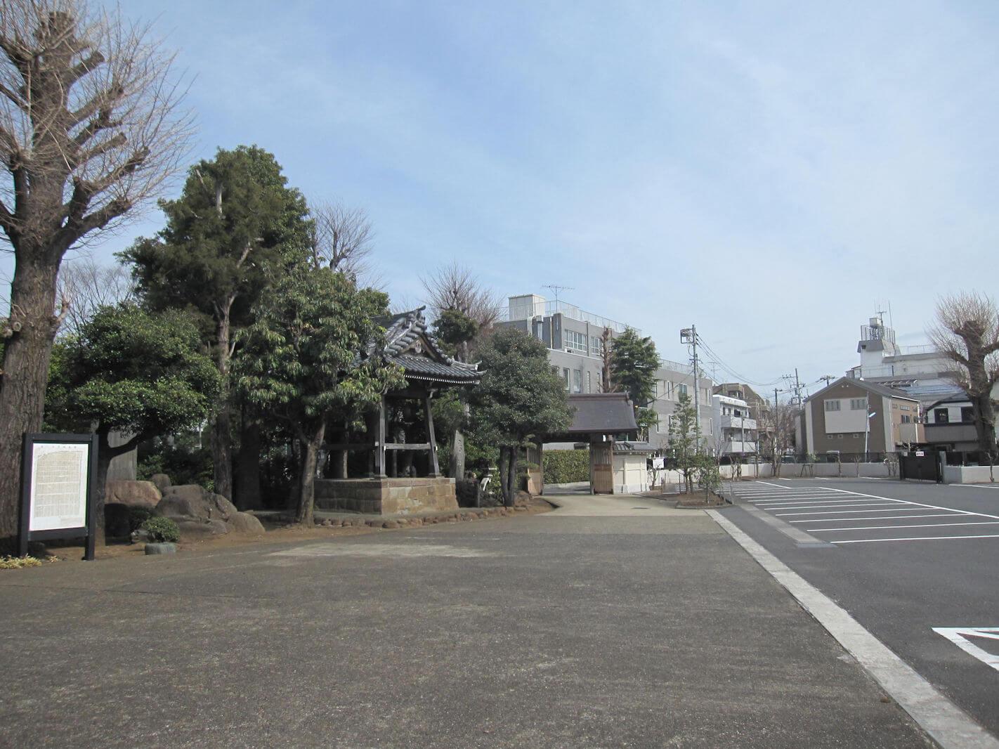 西方寺(帰り道から見た出口)